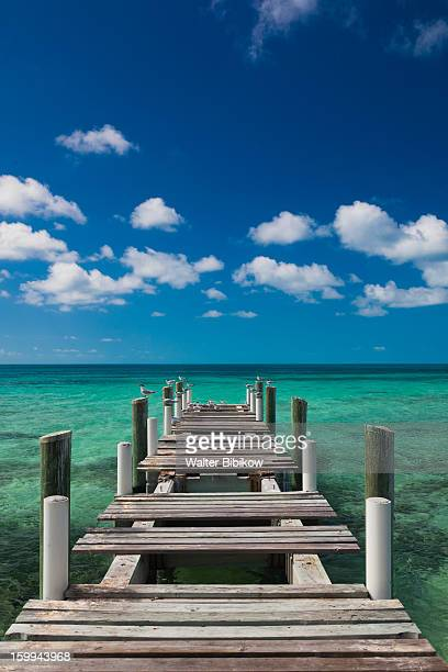 harbour island, bahamas, pier - ハーバー島 ストックフォトと画像