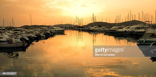 harbour sunset - bernd schunack stock pictures, royalty-free photos & images