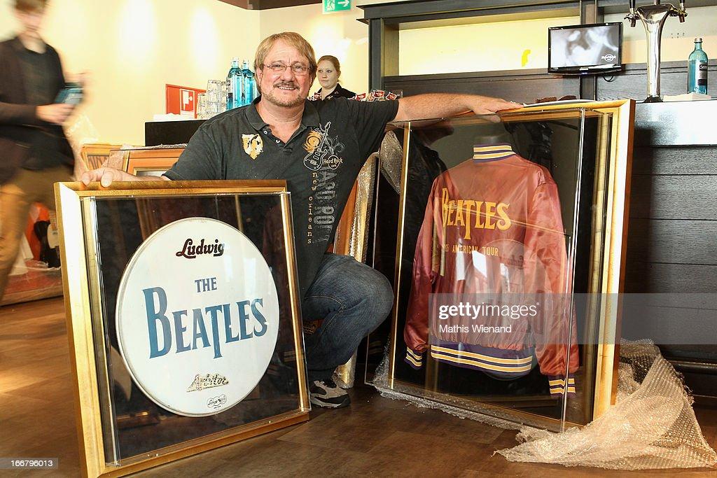 Fotos Und Bilder Von Hard Rock Cafe Cologne Presents New Memorabilia