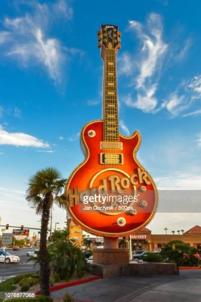 hard rock guitar - モダンロック ストックフォトと画像