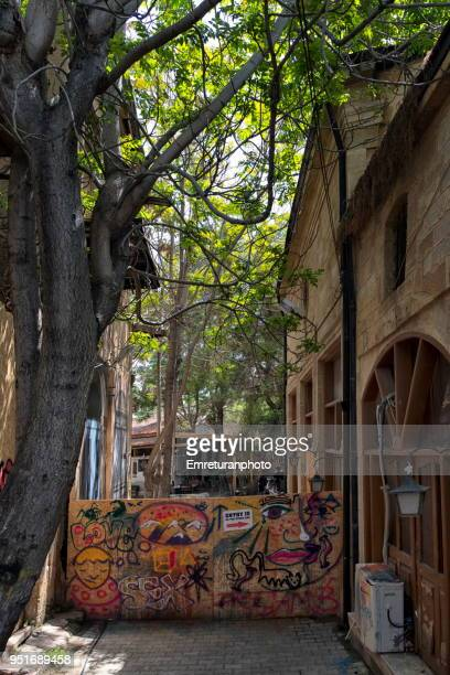 a hardboard wall that seperates turkish and greek sides of nicosia,northern cyprus. - emreturanphoto stock pictures, royalty-free photos & images