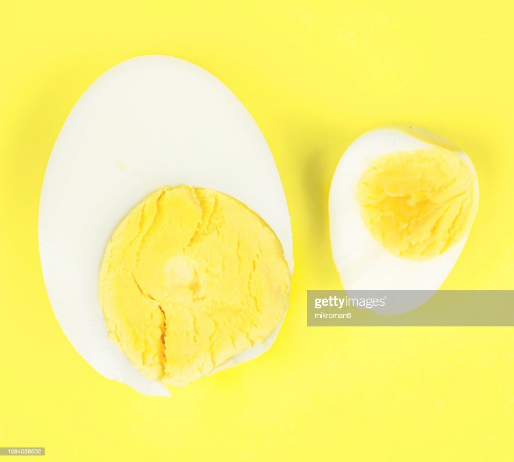 Hard-boiled Chicken egg and quail egg, (small and big) : Stock Photo