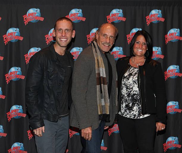 """""""Hardcore Pawn"""" Cast Visits Planet Hollywood Times Square"""