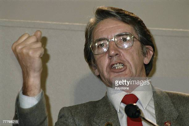 Hardleft Labour MP for Bolsover Dennis Skinner addresses delegates at the Labour Party conference in Blackpool October 1986