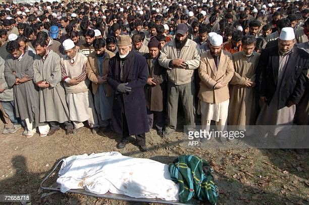 Hardline chairman of the All Parties Hurriyat Confrence, Syed Ali Geelani , , offers funeral prayers during the funeral of top Muslim rebel...