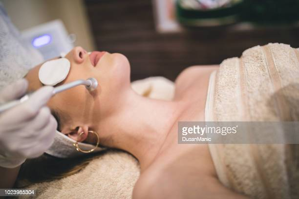Hardware cosmetology. Mesotherapy. Processing chin area. Spa treatments. Face rejuvenation.