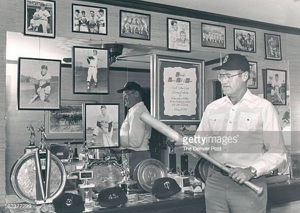 10/1986 OCT 12 1986 AUG 5 1990 MAY 31 1993 Hardy Carroll Carroll Hardy in his office with baseball memorabilia 10/1986