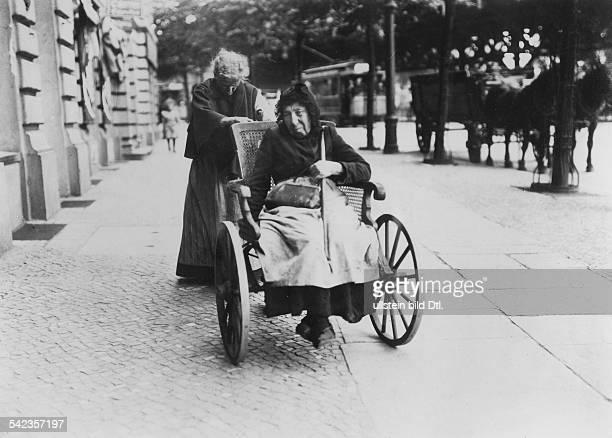 Harfenjule 1910Foto Berliner IllustrationsGesellschaft