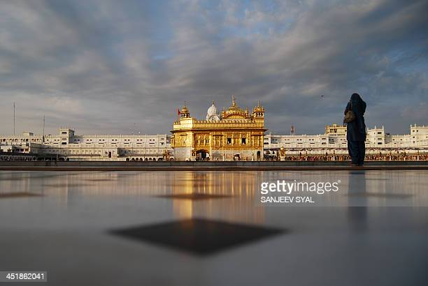 harimandir sahib - golden temple india stock photos and pictures