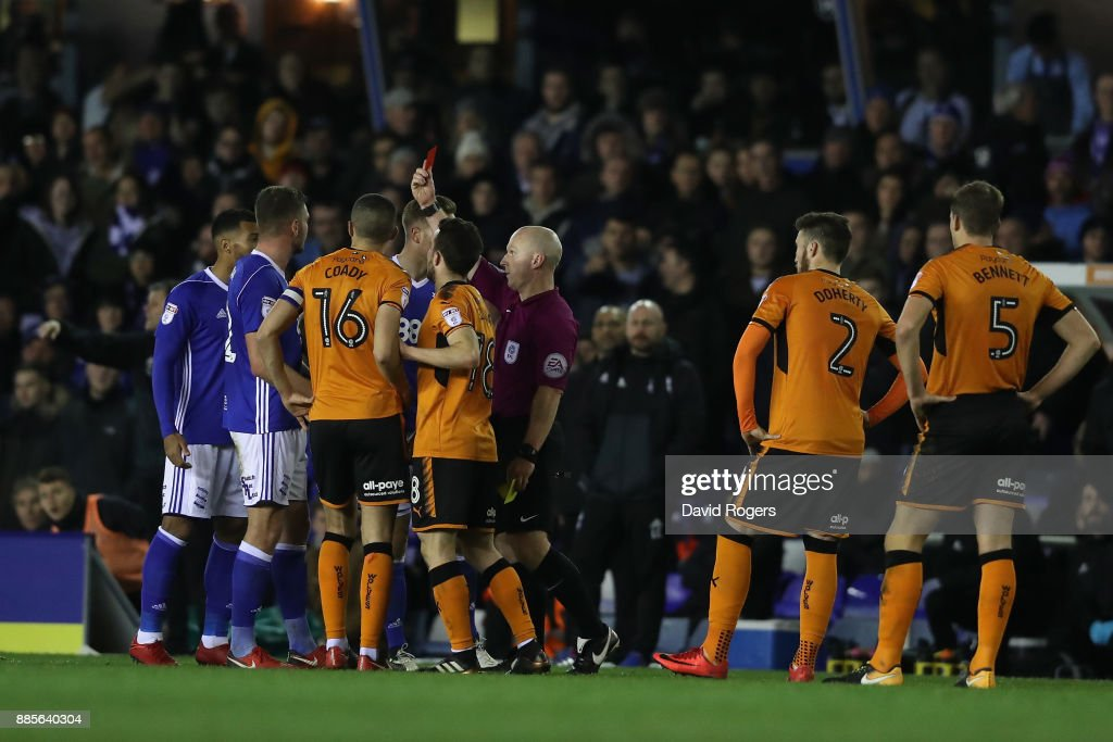 Harlee Dean of Birmingham is shown a red card after recieving two yellow cards by referee and is sent off during the Sky Bet Championship match between Birmingham City and Wolverhampton Wanderers at St Andrews (stadium) on December 4, 2017 in Birmingham, England.