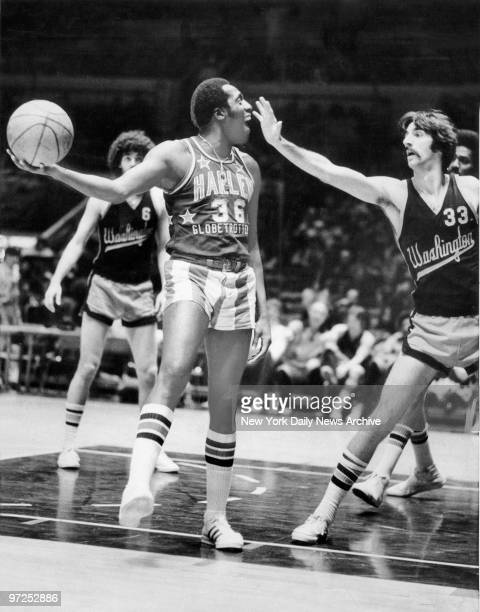 Harlem Globetrotters vs the Washington Generals Meadowlark Lemon teases Bob Godsey of the Washington Generals