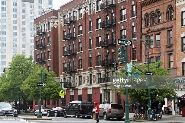 harlem streets - harlem stock pictures, royalty-free photos & images