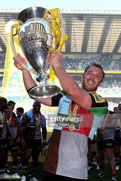 Harlequins captain Chris Robshaw celebrates with the trophy following his team's victory during the Aviva Premiership final between Harlequins and...