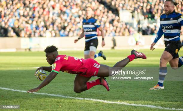Harlequins' Gabriel Ibitoye scores his sides second try during the Aviva Premiership match between Bath Rugby and Harlequins at Recreation Ground on...
