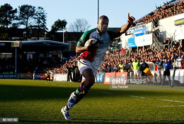 Harlequins winger Ugo Monye runs in to score the winning try during the Guinness Premiership match between Bristol and Harlequins at the Memorial...
