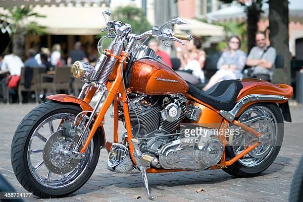 harley davidson motorbike - harley davidson stock pictures, royalty-free photos & images