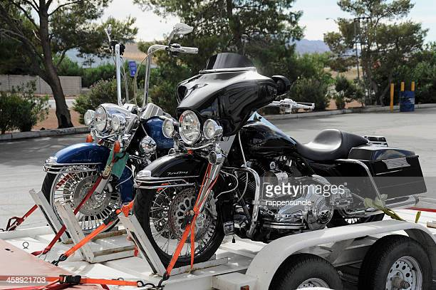 harley davidson transporter - trailer stock pictures, royalty-free photos & images