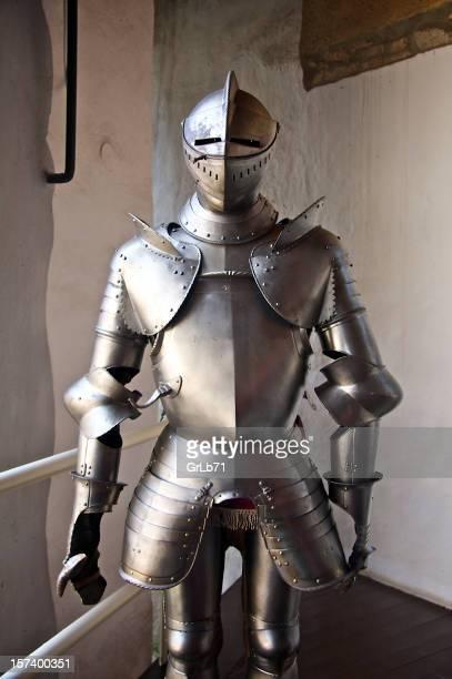 cablaggio - periodo medievale foto e immagini stock