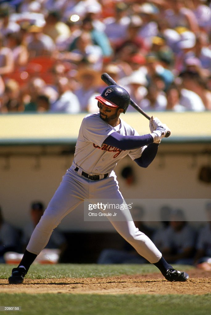 Harold Baines waits for the pitch : News Photo