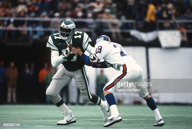 Harold Carmichael of the Philadelphia Eagles in action against the New York Giants during an NFL football game circa 1976 at Veteran Stadium in...