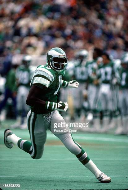 Harold Carmichael of the Philadelphia Eagles in action during an NFL football game circa 1975 at Veteran Stadium in Philadelphia Pennsylvania...