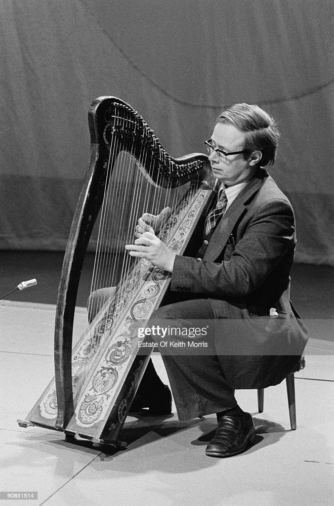 Chieftains Harpist : News Photo