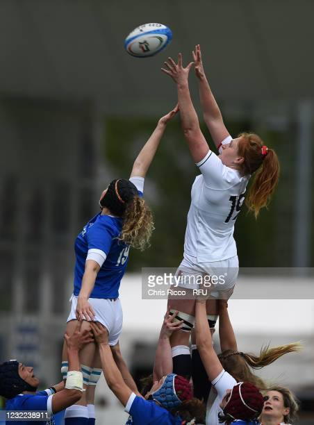 Harriet Millar-Mills of England challenges for the ball with Isabella Locatelli of Italy during the Women's Six Nations match between Italy and...