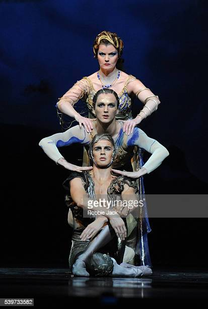 Harriet WilliamsErnst Meisner and Federico Bonelli perform in the Royal Ballet's production of Michael Corder's L'Invitation Au Voyage at the Royal...