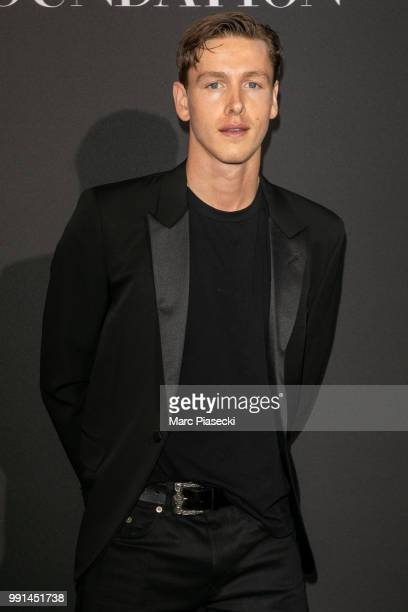 Harris Dickinson attends the Vogue Foundation Dinner Photocall as part of Paris Fashion Week Haute Couture Fall/Winter 20182019 at Musee Galliera on...