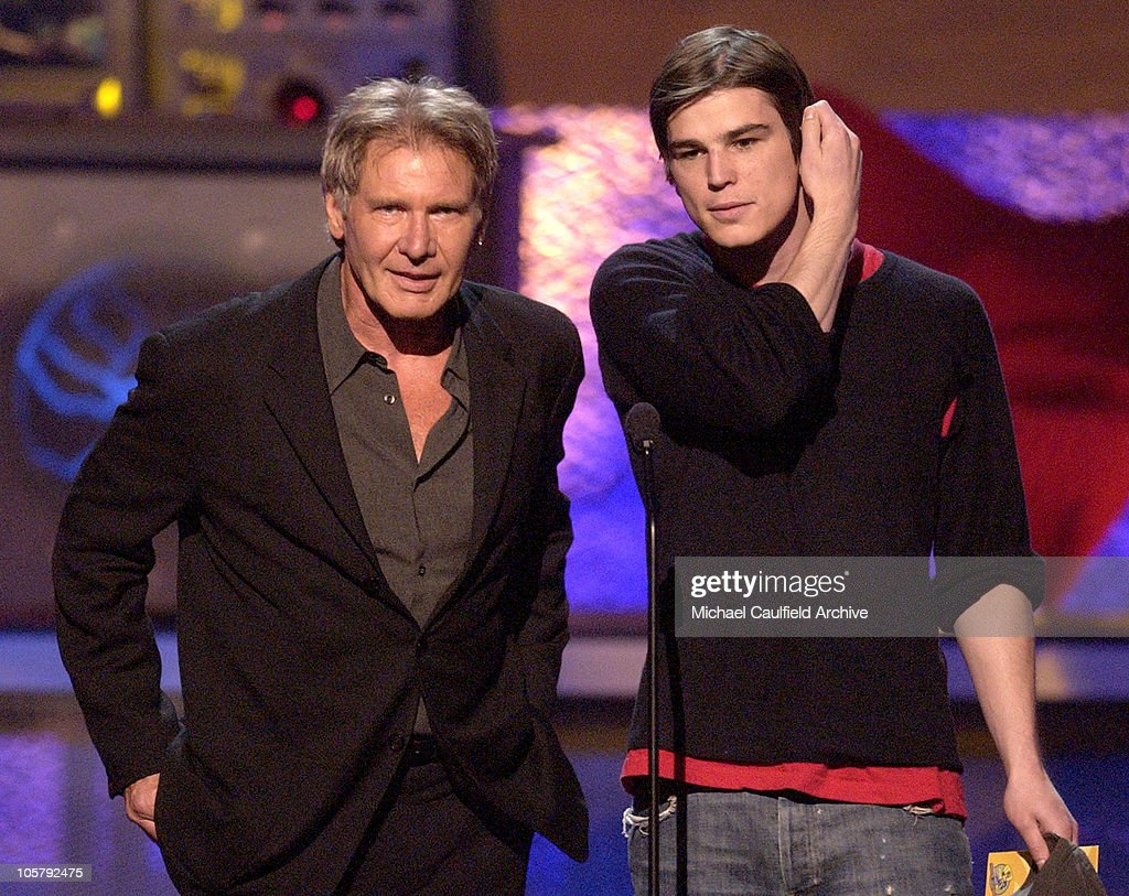 Harrison Ford and Josh Hartnett present Best Female Performance Award