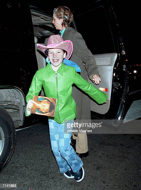 Harrison Ford's wife Melissa Mathison and children arrive for the Tibet House Benefit Concert February 26 2001 at Carnegie Hall in New York City