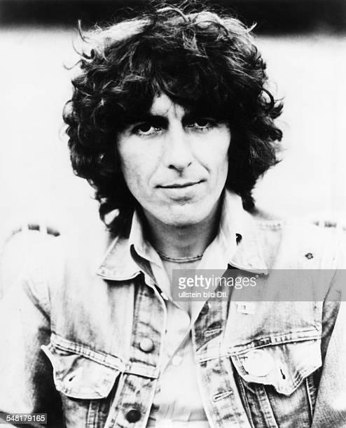 Harrison George * Musiker Gitarrist Saenger GB Leadgitarrist der 'Beatles' Portrait traegt eine Jeansjacke undatiert