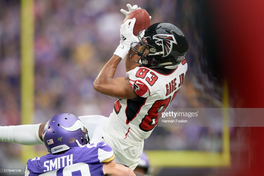 Atlanta Falcons v Minnesota Vikings : News Photo
