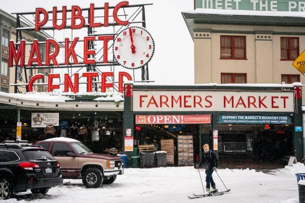 WA: Winter Storm Brings Heavy Snow To Western Washington
