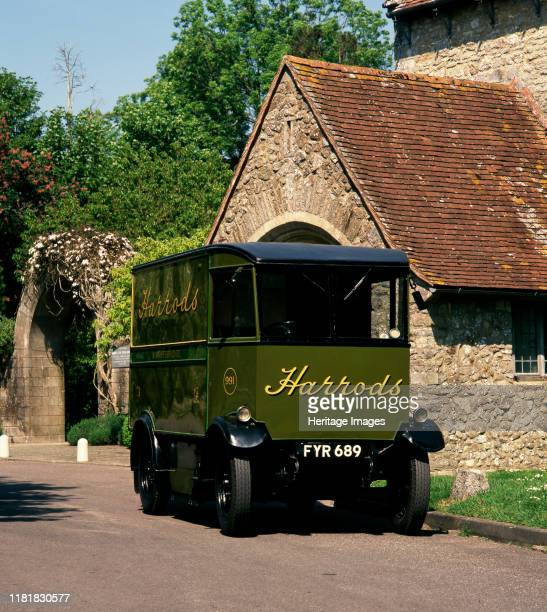 Harrod's Electric delivery vehicle Creator Unknown
