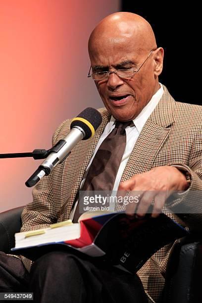 Harry Belafonte anläßlich Lesung im Rahmen der lit.COLOGNE im Theater am Tanzbrunnen in Köln