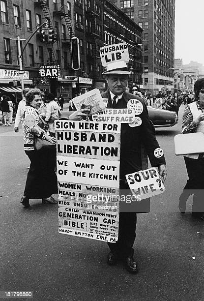 Harry Britton founder of the 'International Association of Dissatisfied Husbands' campaigns for 'Husband Liberation' in Midtown Manhattan New York...