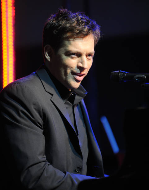 harry connick jr sings at bloomingdales for the christmas season windows opening