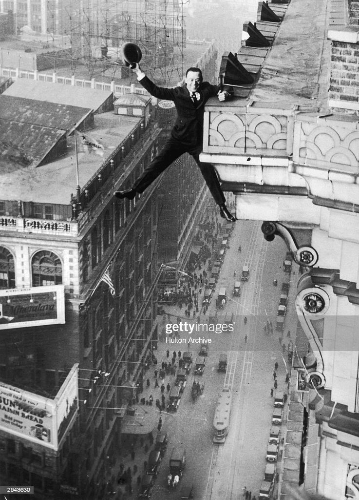 Harry Gardiner of Washington DC hanging from the 24th story of the Hotel McAlpin, Broadway, New York.