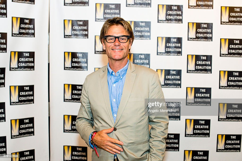 Harry Hamlin arrives at Music Box Supper Club on July 20, 2016 in Cleveland, Ohio.