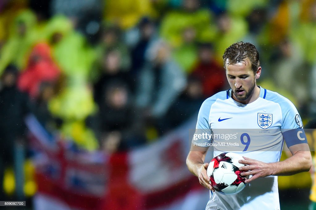 Lithuania v England - FIFA 2018 World Cup Qualifier : News Photo