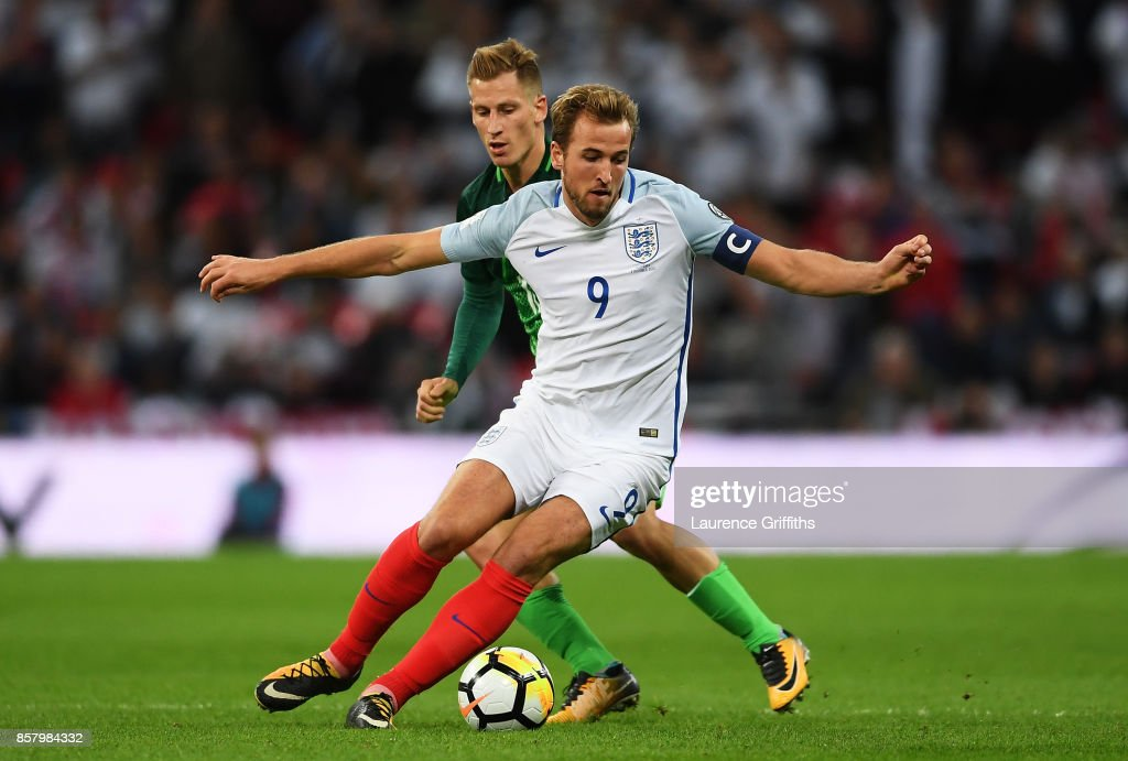England v Slovenia - FIFA 2018 World Cup Qualifier : News Photo