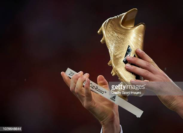 Harry Kane of England is presented with his Golden Boot award for being the top goalscorer at the 2018 World Cup in Russia prior the UEFA Nations...