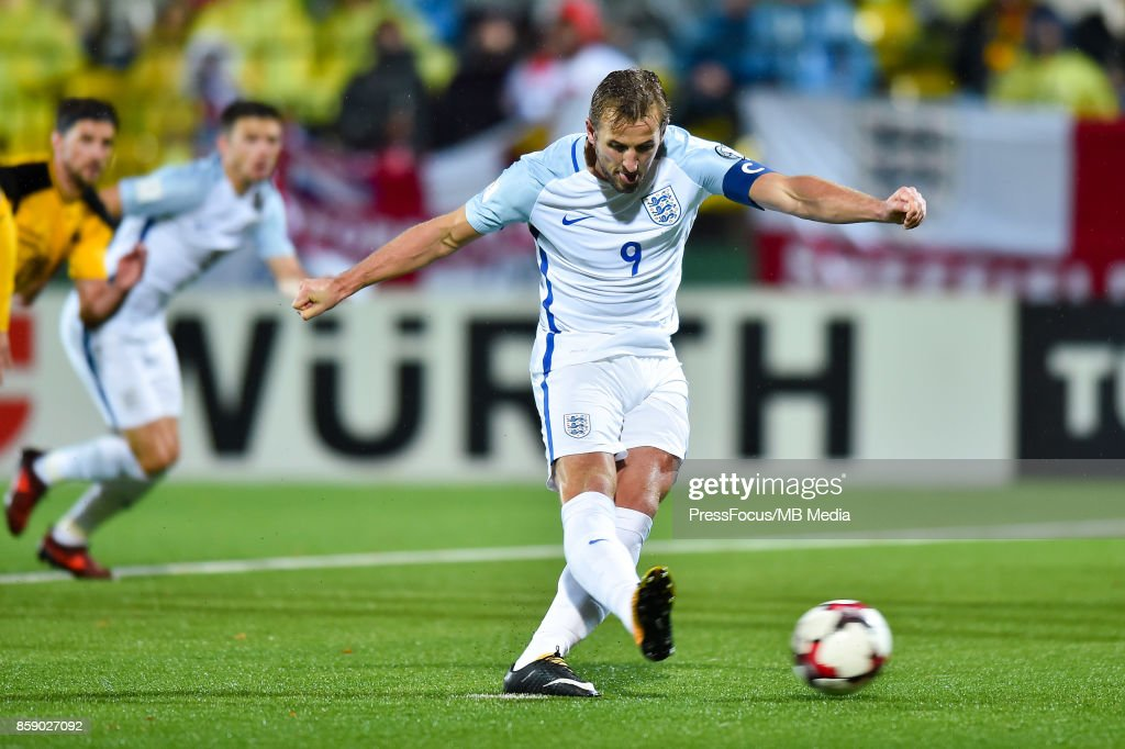 Lithuania v England - FIFA 2018 World Cup Qualifier : News Photo
