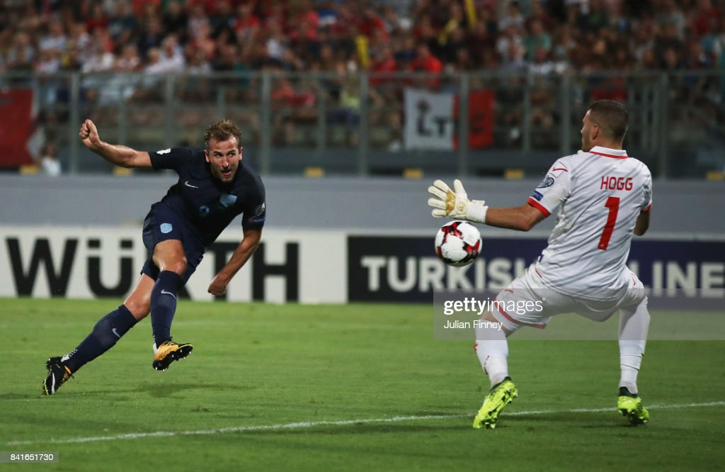 Malta v England - FIFA 2018 World Cup Qualifier : News Photo