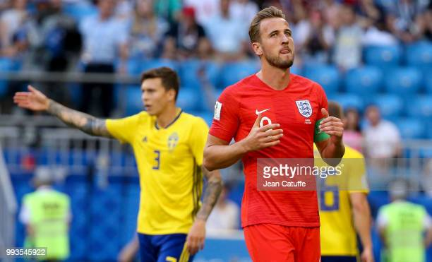 Harry Kane of England Victor Lindelof of Sweden during the 2018 FIFA World Cup Russia Quarter Final match between Sweden and England at Samara Arena...
