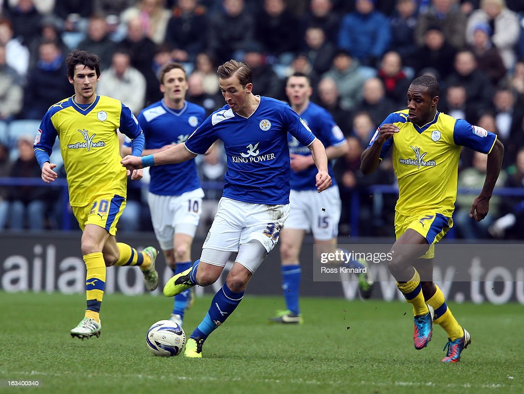 Leicester City v Sheffield Wednesday - npower Championship : News Photo