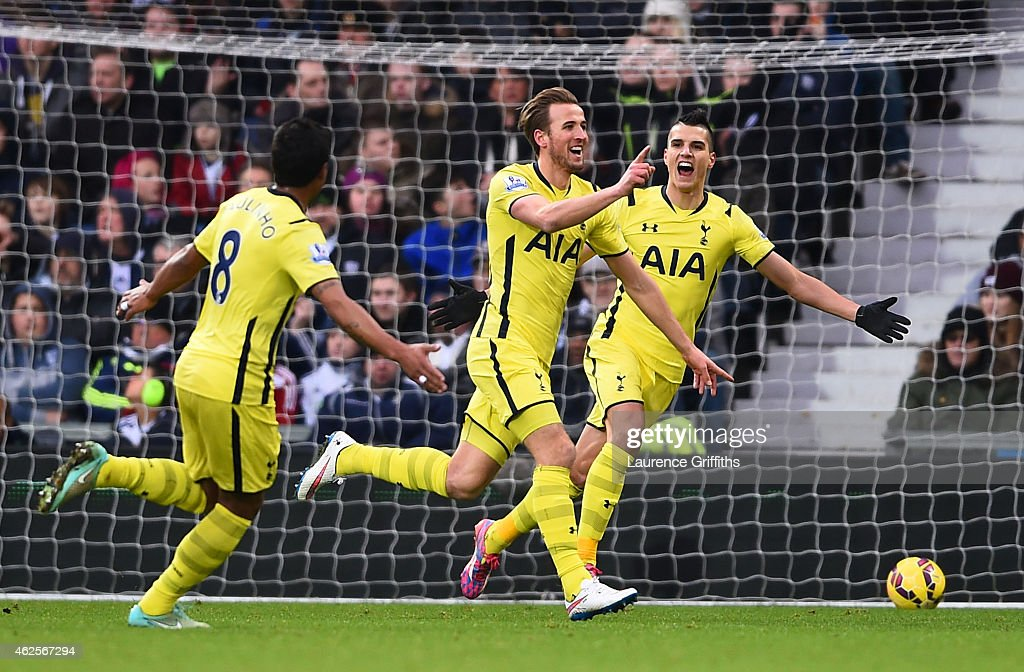 Harry Kane (C) of Spurs celebrates after scoring his team'sseconnd goal during the Barclays Premier League match between West Bromwich Albion and Tottenham Hotspur at The Hawthorns on January 31, 2015 in West Bromwich, England.