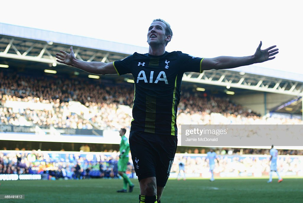 Queens Park Rangers v Tottenham Hotspur - Premier League : News Photo