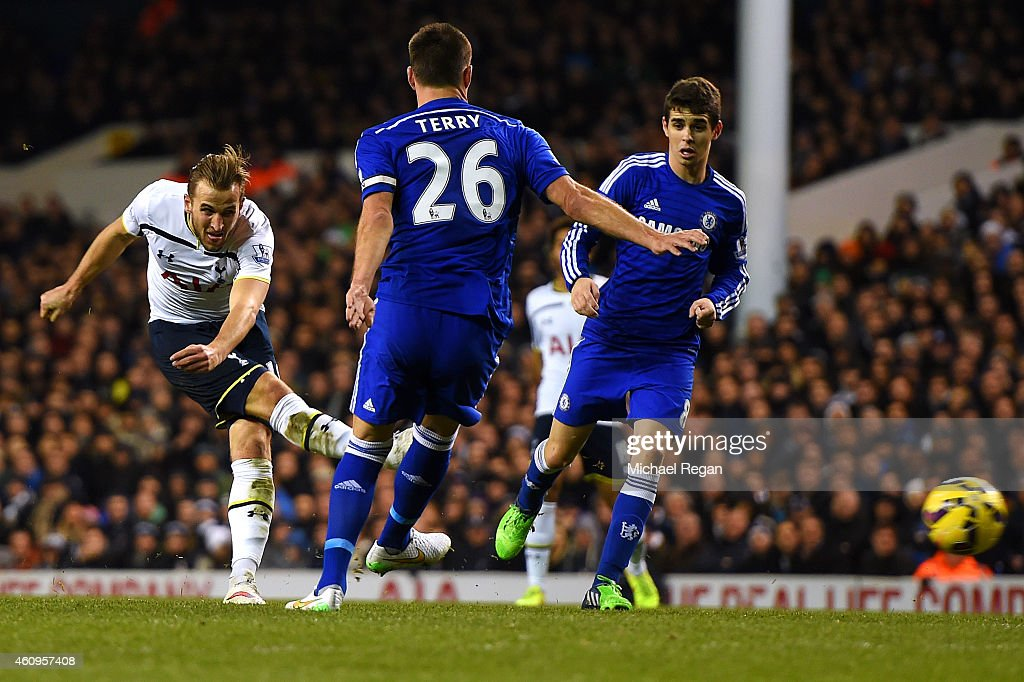 Harry Kane of Spurs scores his team's first goal during the Barclays Premier League match between Tottenham Hotspur and Chelsea at White Hart Lane on January 1, 2015 in London, England.